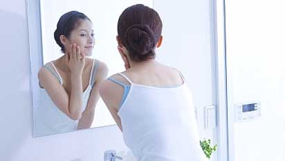 """6 secrets of """"beautiful skin"""" that actually work from a dermatologist"""
